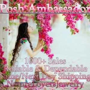 1000+ Items Sold on Poshmark with 5* Rating